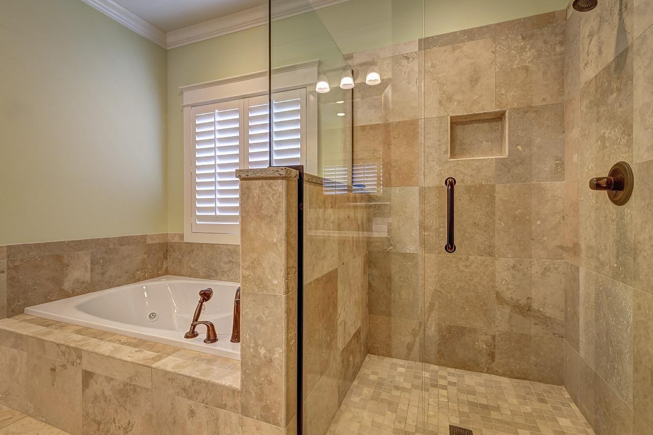 Dann-and-co-frameless-shower